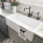08-farmhouse-kitchen-sink-ideas-homebnc