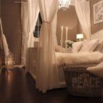 08-vintage-bedroom-decor-ideas-homebnc