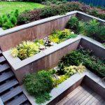09-built-in-planter-ideas-homebnc