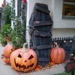 09-coffin-for-halloween-decorating