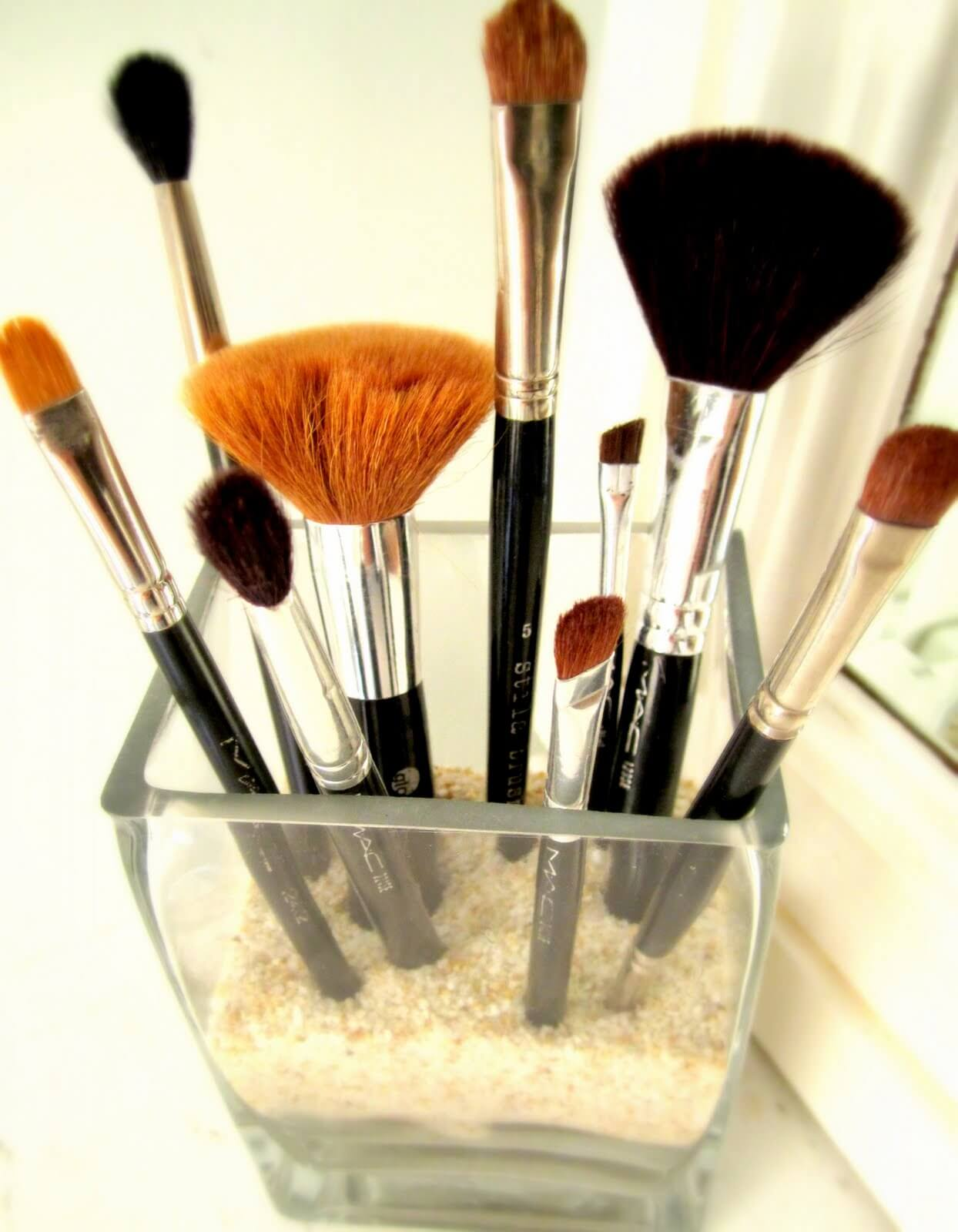 A Pretty Way to Display Makeup Brushes