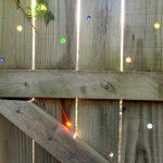 09-garden-fence-decoration-ideas-homebnc
