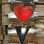 09-rustic-love-wood-signs-ideas-homebnc