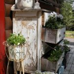 09-vintage-porch-decor-ideas-homebnc