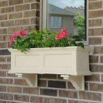 09-window-box-planter-ideas-homebnc