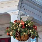 10-christmas-porch-decoration-ideas-homebnc-1