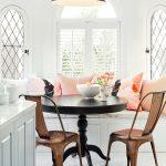 10-classic-lines-breakfast-nook-idea-homebnc