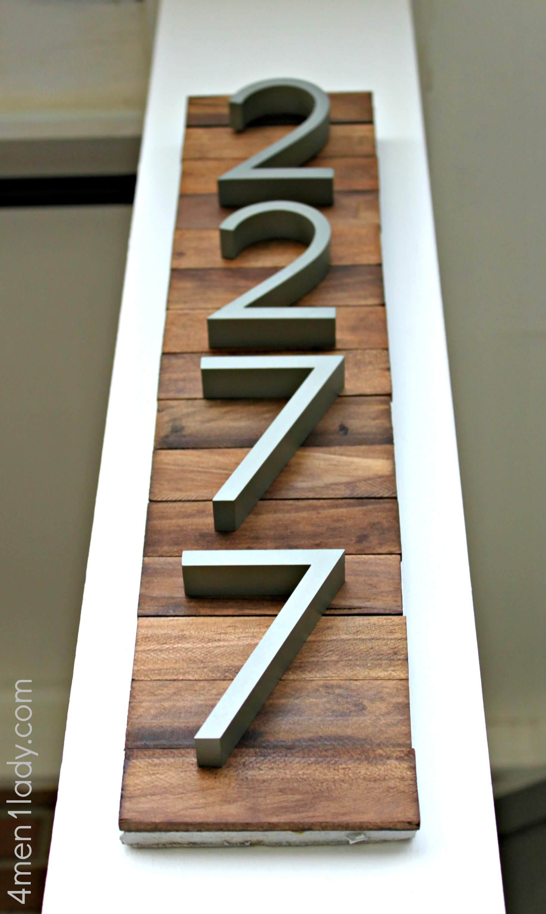 Vertical Wooden Panel for Your Porch Post