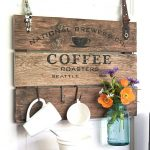 10-diy-pallet-signs-ideas-homebnc