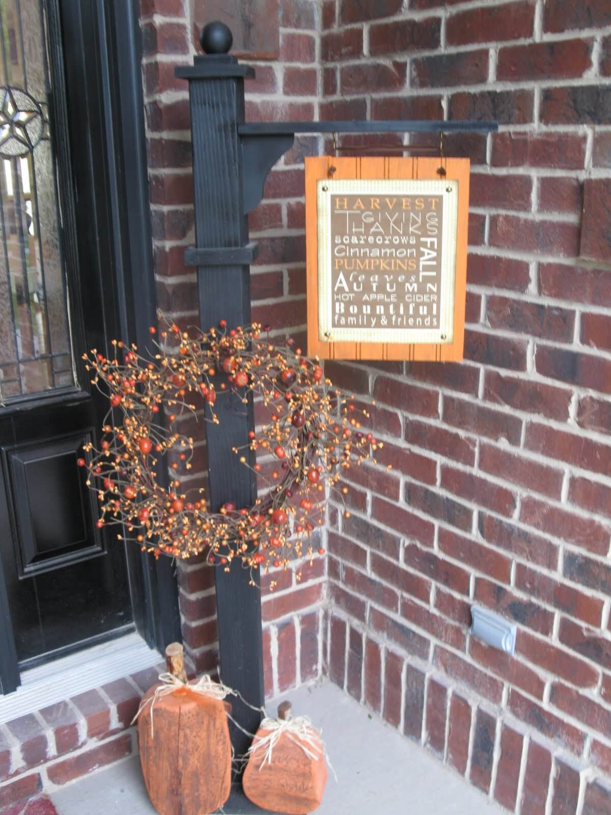 Versatile Post and Welcome Sign for Fall