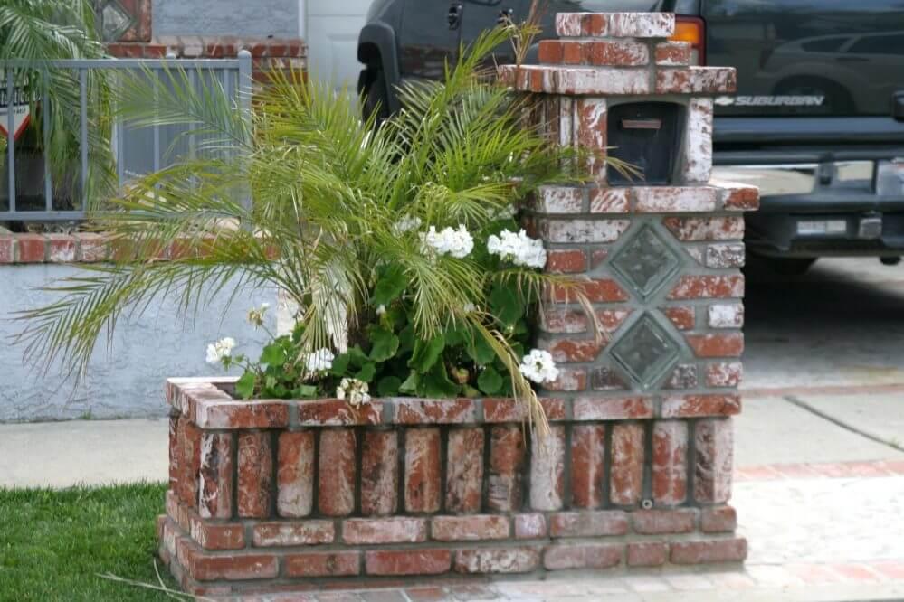 Sturdy Brick Mailbox and Planter