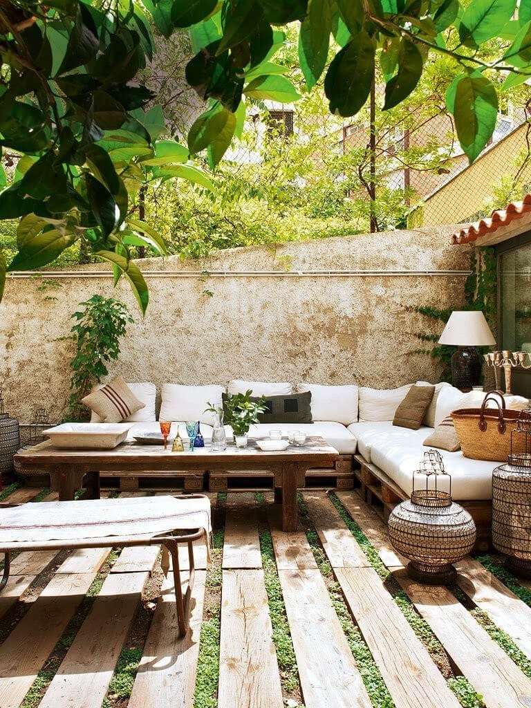 Outdoor Sectional Couch with an Indoor Feel