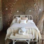 10-vintage-bedroom-decor-ideas-homebnc