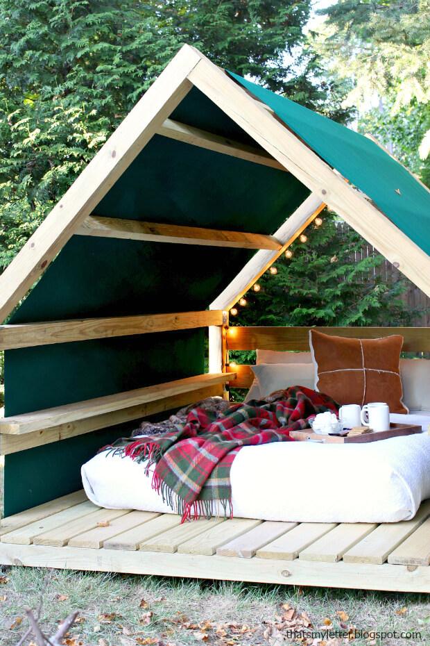 Dreamy DIY Outdoor Cabana Lounge