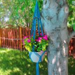 11-outdoor-hanging-planter-ideas-homebnc