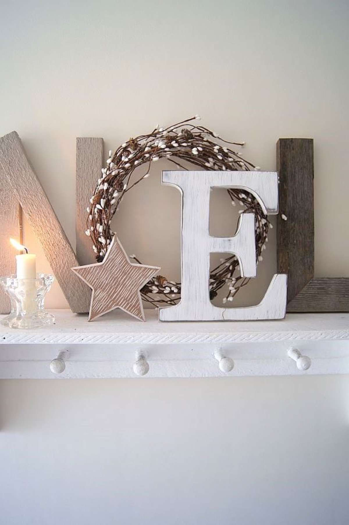 "Wood ""Noel"" Sign With Grapevine Wreath"