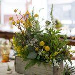 11-rustic-wooden-box-centerpiece-ideas-homebnc