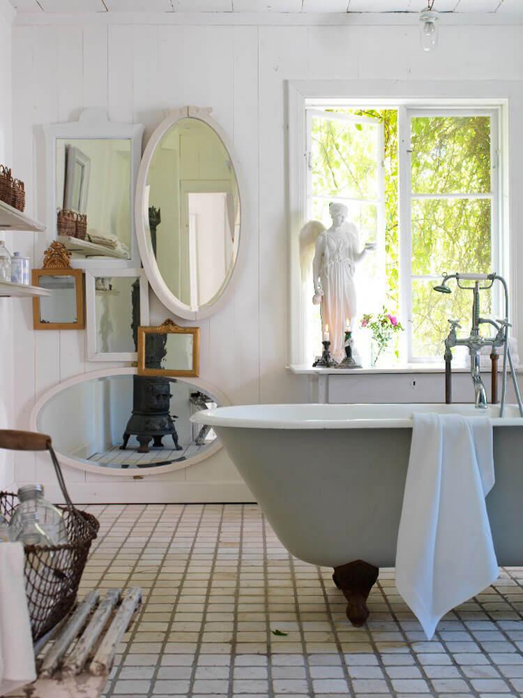 DIY Eclectic Mirror Gallery Wall