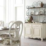 12-dining-room-storage-ideas-homebnc
