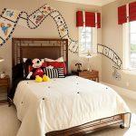 12-flimstrip-fascination-disney-room-idea-homebnc