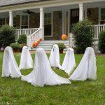 12-ghosts-outdoor-decor-homebnc