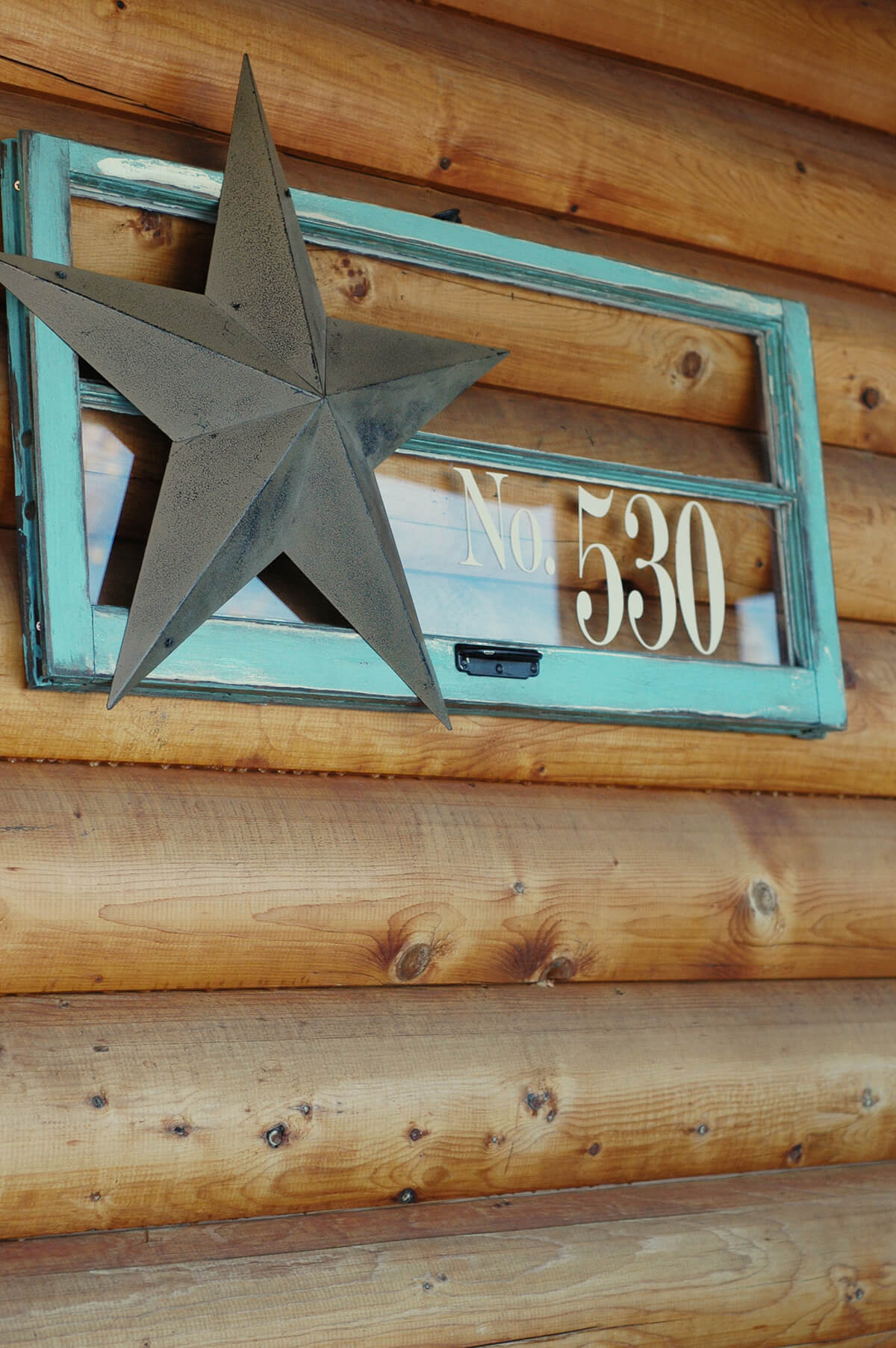 House Number Window with Metal Star