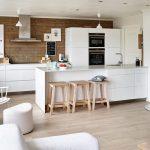 13-a-white-home-with-children-homebnc
