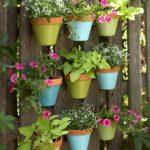 13-garden-fence-decoration-ideas-homebnc