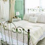 13-vintage-bedroom-decor-ideas-homebnc