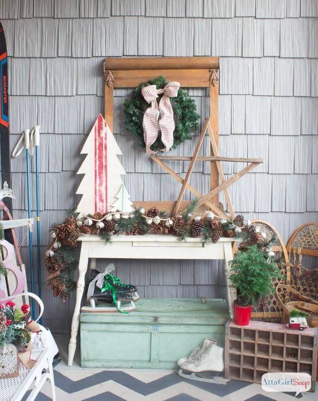 Vintage Porch Decor Ideas for Christmas