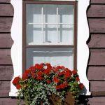13-window-box-planter-ideas-homebnc