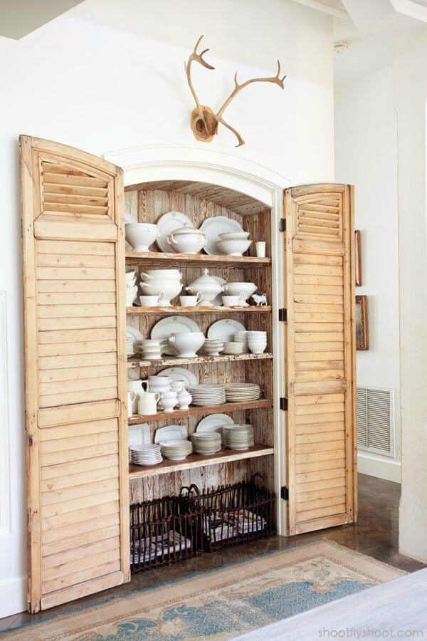 Pretty Shuttered Cabin Dining Room Shelf