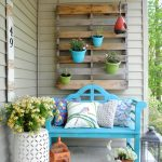 14-porch-wall-decor-ideas-homebnc