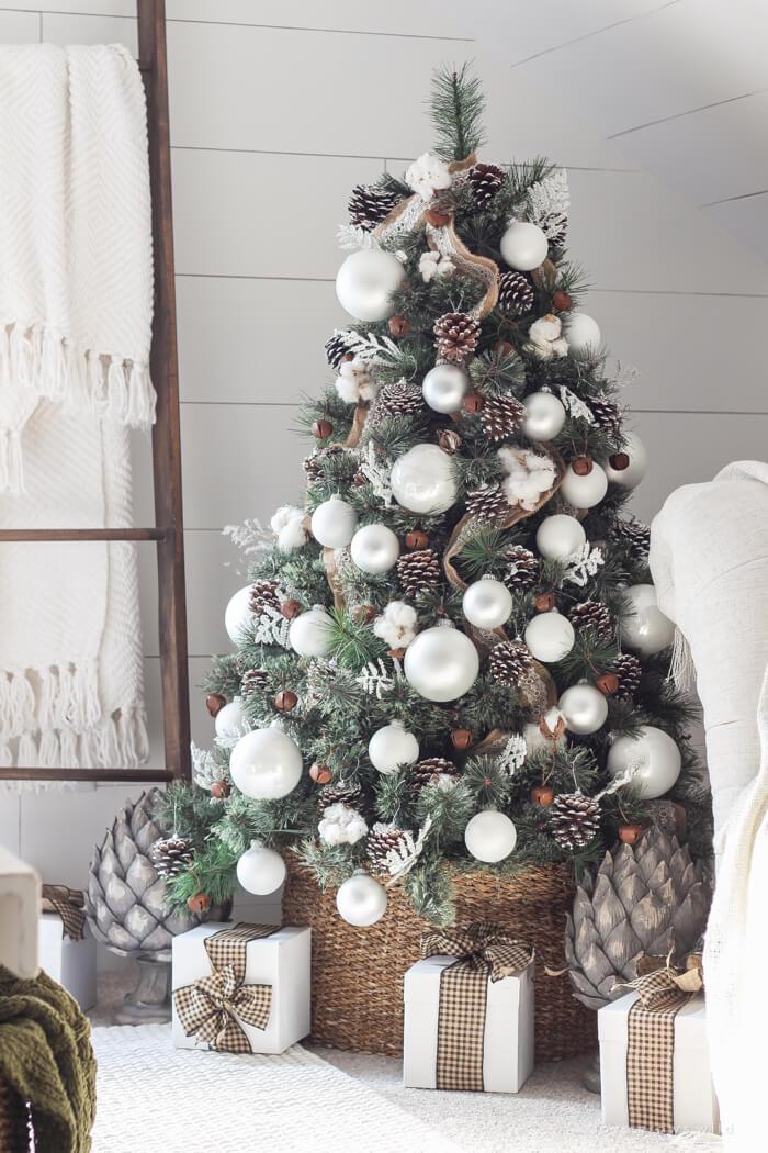 Winter White Pine Cone Christmas Tree