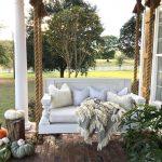 14-rustic-farmhouse-porch-decor-ideas-homebnc