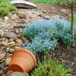 14-spilled-flower-pot-ideas-homebnc