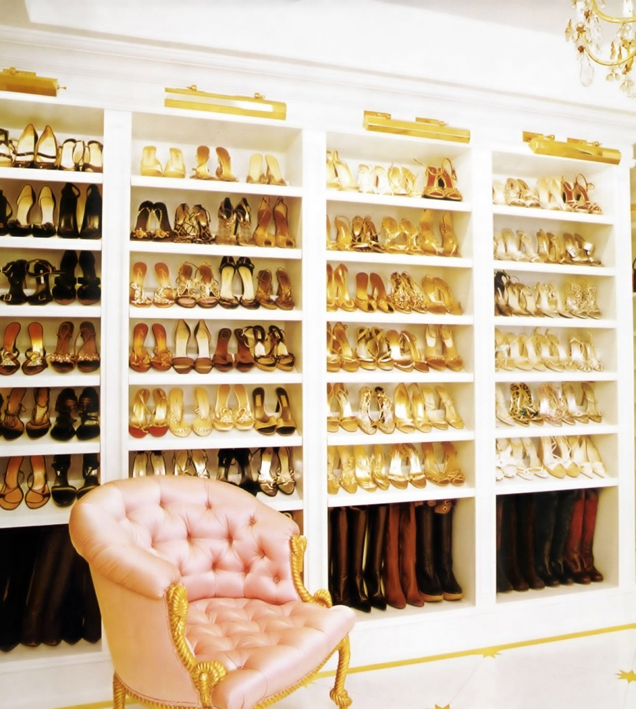 Walk-in Closet Shoe Shelves