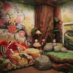 15-down-the-rabbithole-alice-disney-room-decor-homebnc