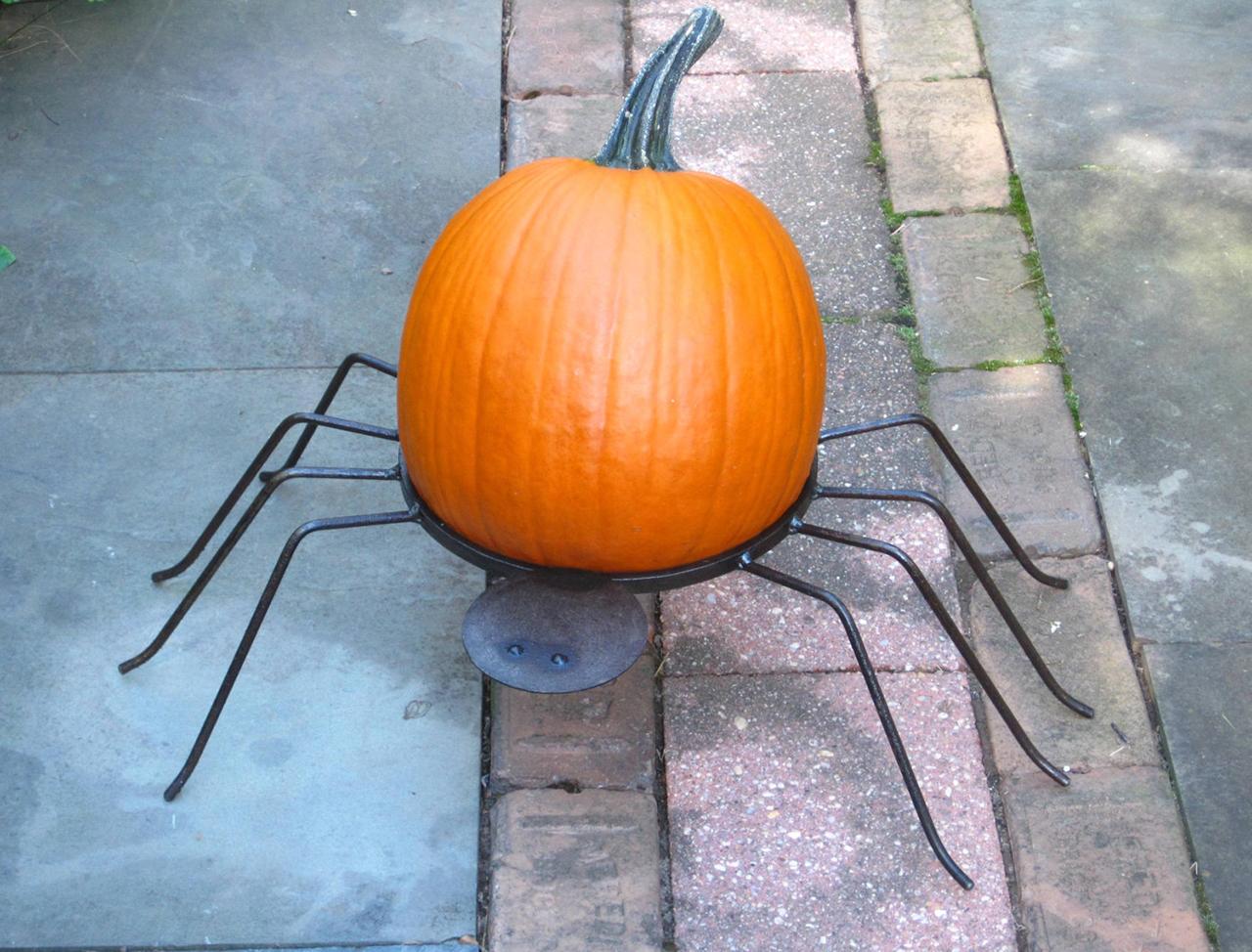 Spider Pumpkin Holder