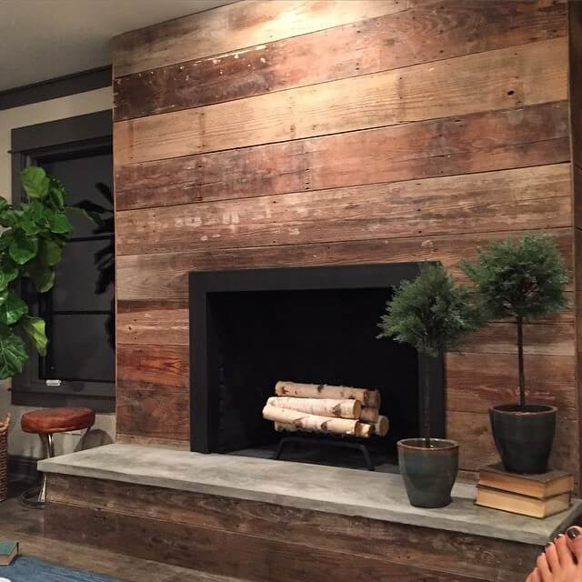 Recycled Wood Makes Strong Horizontal Statement