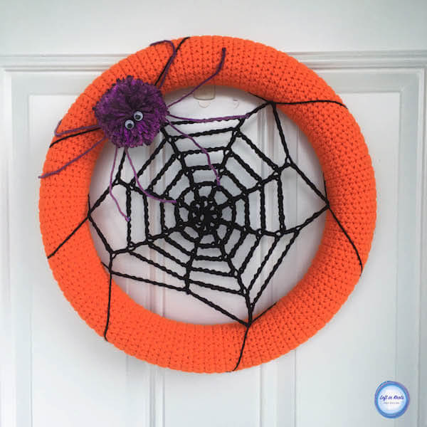Say Hello To The Friendly Spider Wreath