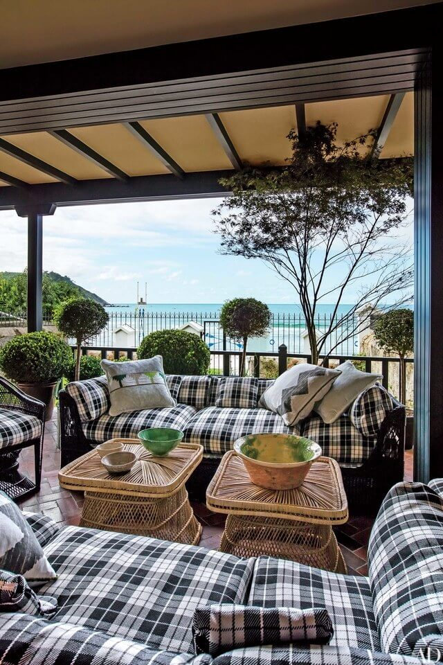 Relaxing Outdoor Living Spaces with Plaid Cushions