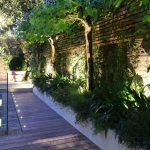 16-built-in-planter-ideas-homebnc