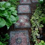 17-diy-garden-mosaic-ideas-homebnc