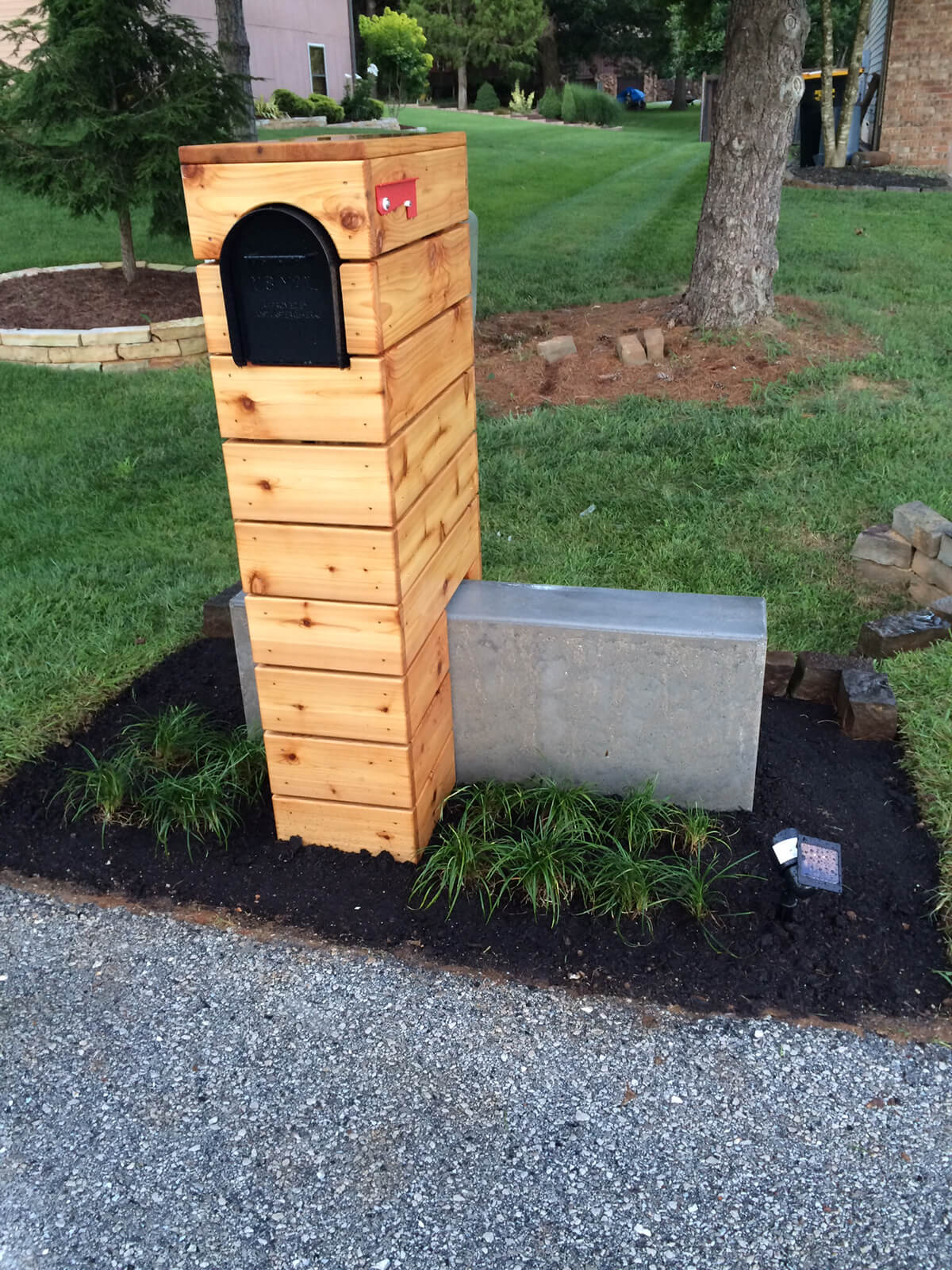 Wood and Concrete Structural Mailbox