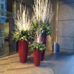 17-outdoor-holiday-planter-ideas-homebnc