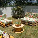17-outdoor-pallet-furniture-ideas-homebnc