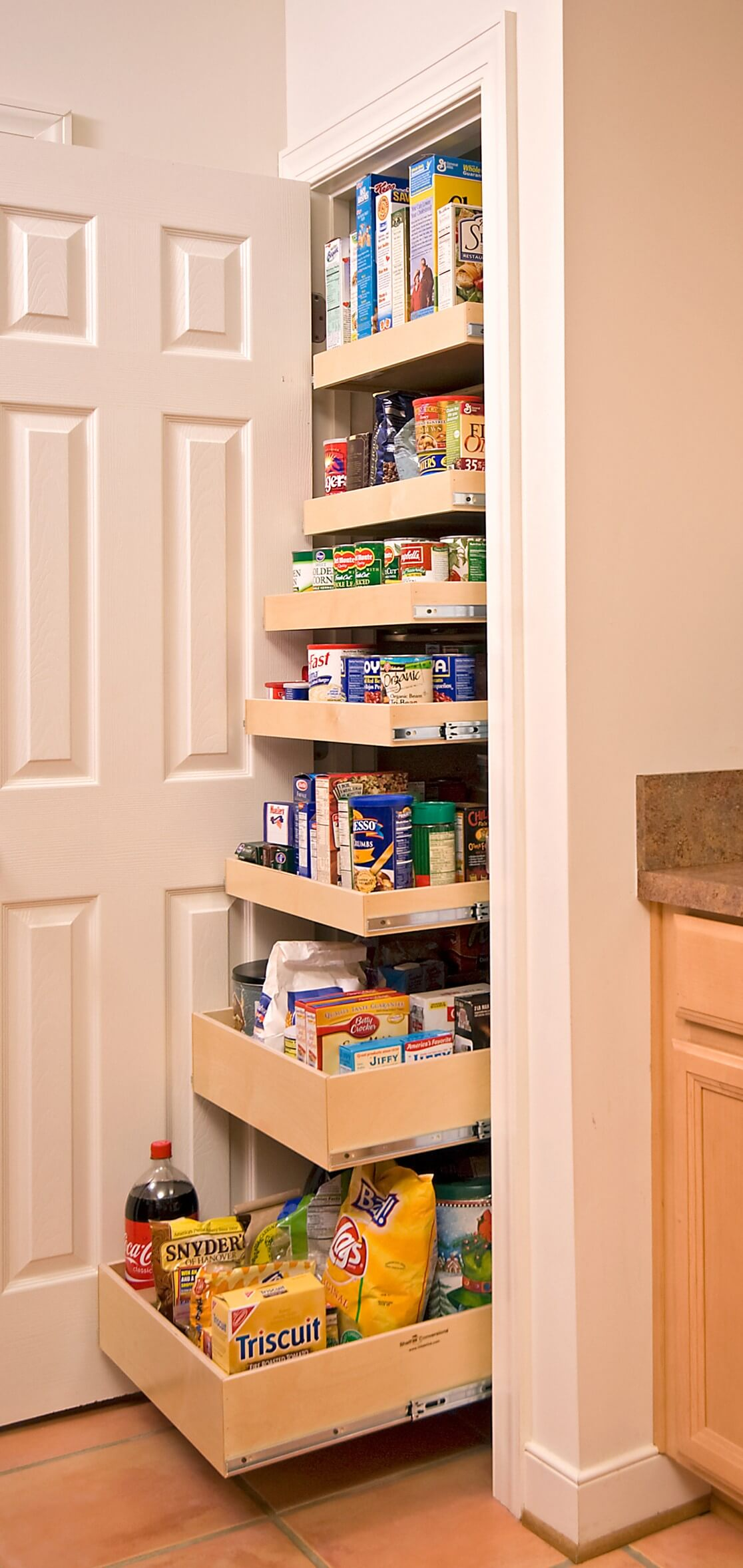 Easy-to-Reach Pantry Drawers that Pull Out