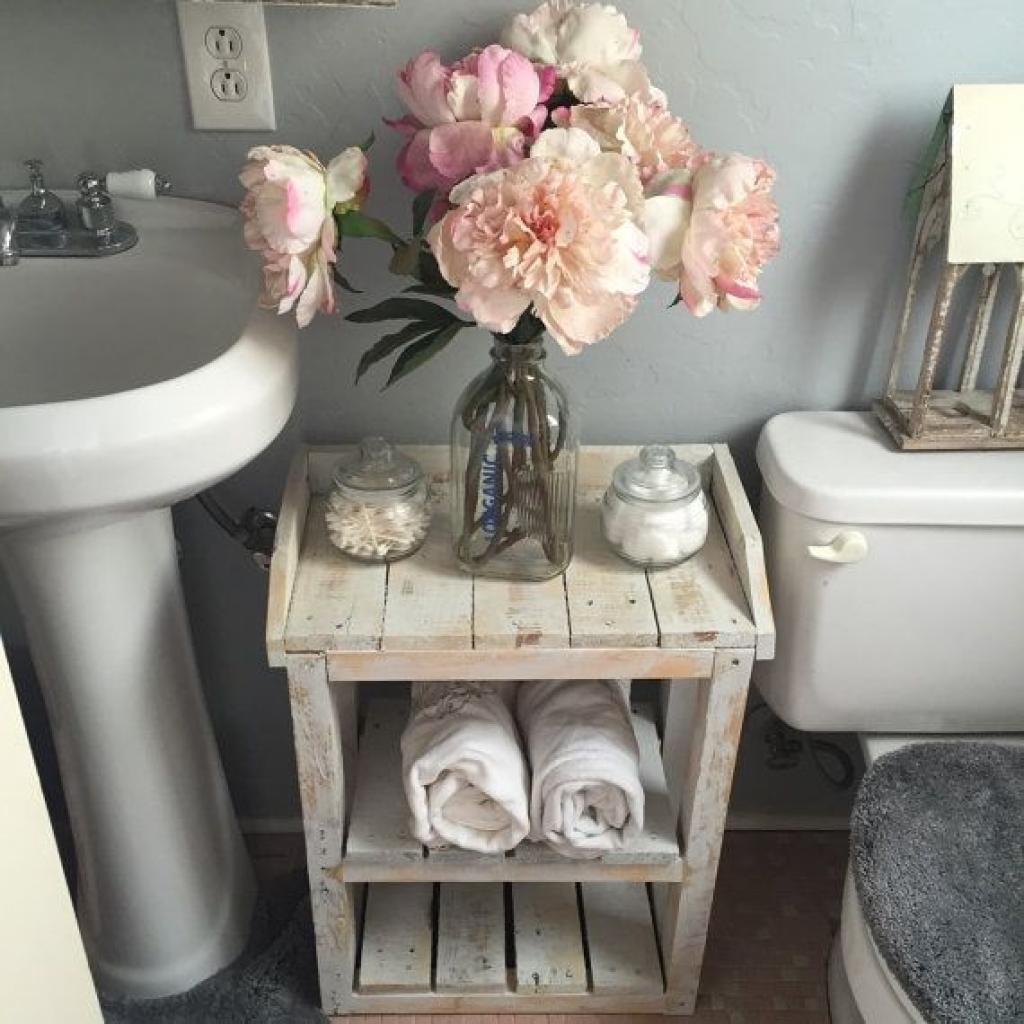Pallet Shelves that Incorporate Beauty and Utility