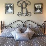 18-bedroom-wall-decor-ideas-homebnc
